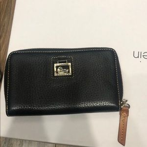 Dooney and Bourke all leather wallet